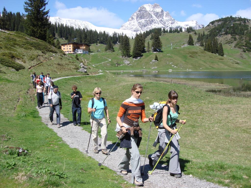 Aktivprogramm mit einer Schülergruppe im Lechtal.