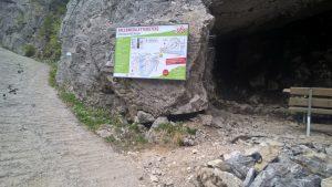 Anseilplatz und Depo Bärenhöhle Erlebnisklettersteig.