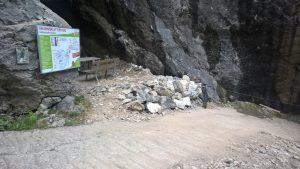 Depot an der Bärenhöhle und Anseilplatz Klettersteig Holzgau.