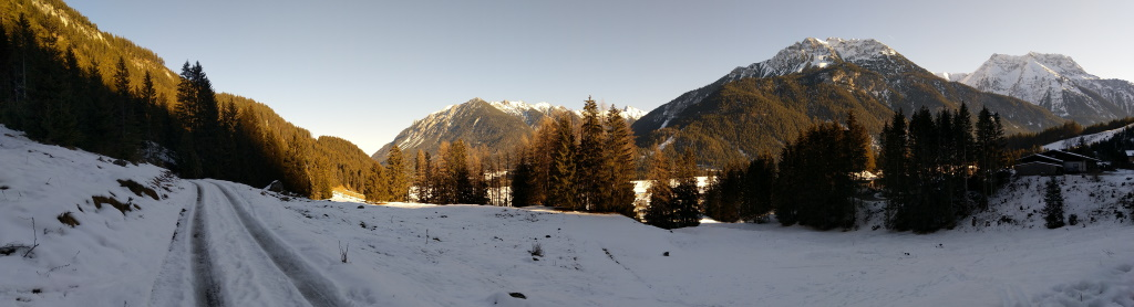 Panoramablick Einstieg Baichlstein Höhenweg Vorderhornbach.