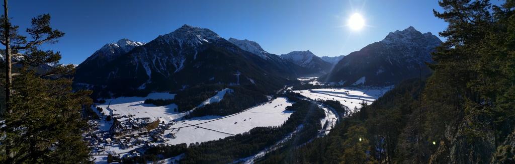 Panoramablick Baichlstein Lechtal-Stanzach-Namlostal.