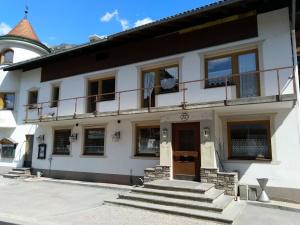 alter Lokaleingang Dorfstube Holzgau