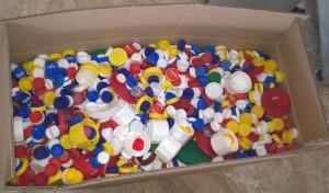 Verschlussstöpsel bereit für den Versand zum Rotary Club.