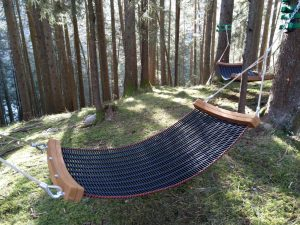 Duft und Atemweg Hängematte Spa-Bereich Wald in Holzgau
