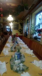 Gruppentischgedeck Weihnachtsfirmenfeier Restaurant Dorfstube Holzgau.