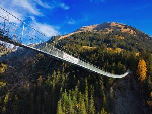 Die zweitlängste Fußgänger-Hängebrücke des Lechtals (200,5 m)