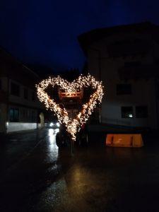 Testlauf in der Nacht am Parkplatz der Dorfstube.