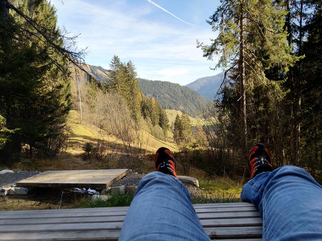 Entspannen am Vitalweg in Holzgau.