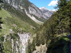 Höhenbachtalschlucht mit Simmswasserfall